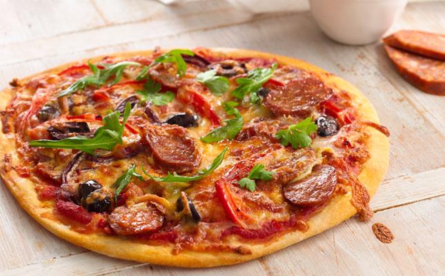 pizza chorizo recette pizza chorizo p te pizza. Black Bedroom Furniture Sets. Home Design Ideas