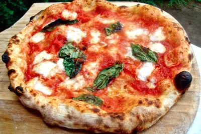 pizza napoletana recette pizza napoletana p te pizza. Black Bedroom Furniture Sets. Home Design Ideas